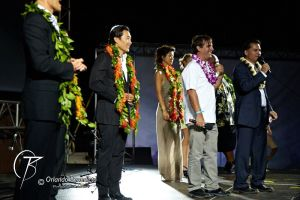 Peter Lenkov, Bob Orci and the Hawaii Five-0 cast.  (Photo: Orlando Benedicto)